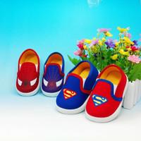 Precio de Zapatos de hombre araña para niños-2017 Los nuevos zapatos baratos de los muchachos del superhombre del hombre araña calzan los zapatos de los deportes de los cabritos El super héroe embroma los zapatos ocasionales de los zapatos de lona de los cabritos de los zapatos para el muchacho