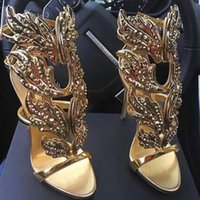 2017 Winge Butterfly Leaf Femme Sandales strass Stiletto talons Summer Gladiators Véritable cuir Strappy Gold Wedding Party Dress Shoes