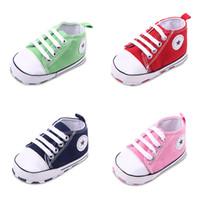 al por mayor zapatos suaves del bebé recién nacido-Zapatillas de deporte antideslizantes suaves de los muchachos de los bebés del niño de los niños pequeños Zapatos del bebé recién nacido a 18 meses #YH