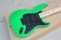 Precio de Guitarra de la mano izquierda verde-Tienda de la fábrica izquierda ST verde negro hardware pickguard maple fretboard 6 cuerdas guitarra eléctrica Guitarra