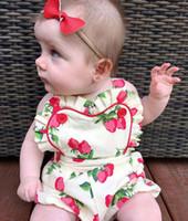 HUG ME Robe de bébé Robe de princesse Robe de princesse Enfant d'été Strawberry Imprimé Falbala romper Kids suspender Coton Baby Sling jumpsuitss