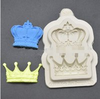 Wholesale Crown Princess Queen Prince D Silicone Mold Fondant Cake Molds Cupcake Mould Decorative Cakes Tools Fimo