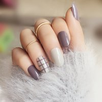 Wholesale Japanese round Taro color stripped pattern fake nails Cream Pure color false nails with glue Cute lady full nail tips