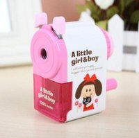 Wholesale Dedicated pencil sharpener child cut pencil sharpener pen hand hand cartoon pass pen knife planer pen machine primary school students with s