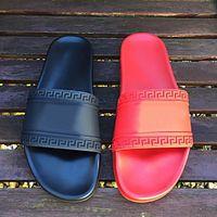 beige leather sandals - Men Designer Slippers Vers Man summer outdoor beach Slipper Sandal Mens Medusa Slippers scuffs