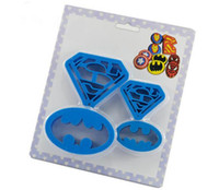 Wholesale 4Pcs Cookie Cutters Super Hero Batman Superman Sugarcraft Fondant Cake Decoration Mould Kitchen Baking Pastry Tools