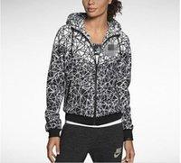 großhandel jogging suit-2017 Neue Jogginganzüge Sport NWT Frauen Sportjacke Hooded Windbreaker Breathable und Warm BLK Großer Sport Windbreaker