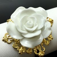 Wholesale White Color colors Rose Flower Decor Gold Napkin Ring Holder Hoops Romantic Weeding Party Table Decoration