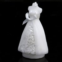 Wholesale Fashion White Elegant Wedding Bridal Bride Candles Gown Dress Design Art Candle Wedding Party Supplies Home Decors