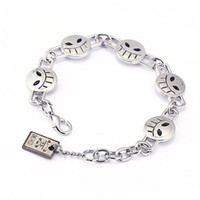 Cuff ace bracelet - 2017 Cute Anime One Piece Portgas D Ace Smiling face Material Alloy Bracelet Unisex For Anime Fan Collection Product