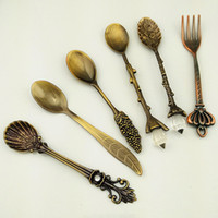 Wholesale Retro European Court Dinnerware Set Piece Fruit Cake Fork Pomegranate Flower Coffee Spoon Small spoon gold and silver bronze
