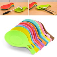 Wholesale Newest Silicone Spoon Insulation Mat Placemat Drink Glass Vogue Coaster Tray Heat Resistant Mat Pad Kitchen Tool WX K17