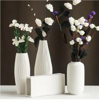 Wholesale Modern minimalist style desktop ceramic flower vase European style white Ceramic vase Office home decorative accessories