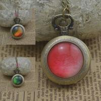 El reloj verde rojo de la mujer del collar del reloj de bolsillo del cuarzo del color de la gema de la Al por mayor-manera mira el cuadro convexo redondo de bronce 2016 de la lente del bronce nuevo