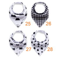 Wholesale Cool Fashionable Baby Bibs Stylish Soft Organic Cotton Protect Dry Bibs for Babies with Snap Closures
