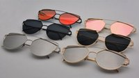Wholesale Fashion and useful OEM sunglasses UV400 reaationary style