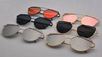 Wholesale Fashion and useful OEM sunglasses UV400 reaationary style