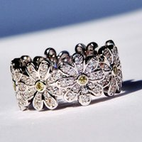 Wholesale 100 Sterling silver Yellow diamond Daisy flower wedding rings for women girls hot selling classic luxury designer new fashion