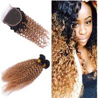 Precio de Miel rubia pelo rizado virgen-Caliente llega el pelo rizado profundo de Ombre 1B / 27 tece con el encierro rizado profundo del cordón de la extensión del pelo de la Virgen de la miel del encierro