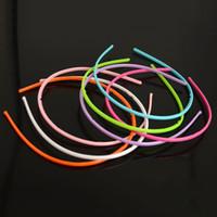 achat en gros de bandeaux de couleur en plastique-50Pcs / lot Bandeaux en plastique de cercles de cheveux de couleur de bonbons pour les dames / filles / femmes