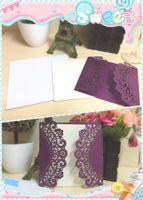 Invitations de mariage coupées au laser or violet Impression gratuite Carte d'invitation de mariage Fleurs Cartes de mariage creuses Livraison gratuite de DHL personnalisée
