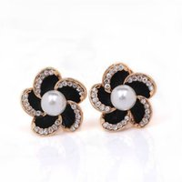 Wholesale Exaggerated ear clip hot pearl earrings gift personality retro drip earrings fashion lady sliding flowers party earrings