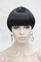Chaud de mode Black Bob champignon Style avec Bangs Center Dot Skin Top court femme de tous les jours perruque droite