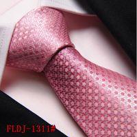2017 Corbatas de seda de la alta calidad de la venta caliente Corbatas de los hombres de las rosas del 8cm Corbatas clásicas de la moda Corbatas hechas a mano de la boda