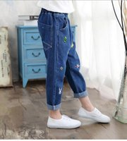 bee leg - 2017 children s clothing hot style bee embroidery jeans of the girls Han edition of the child process of jeans