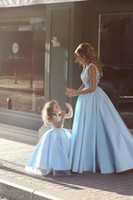 acrylic power lighted - 2017 New Little Blue V neck Women Prom Dresses Floor Length Appliques Sexy Evening Pageant Party Red Carpet Runaway Fashion Lady Gowns