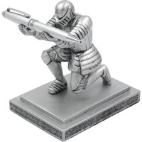 Wholesale Yaomeng Resin Soldier Executive Knight Pen Holder Personalized Desk Accessory Pen Stand for A Gift Decorative Pencil Holders Desk
