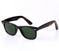 al por mayor venta al por menor gafas de sol polarizadas-UV400 Gafas de sol del diseñador de la marca de fábrica para los hombres de la manera de los hombres polarizaron la lente de cristal 50mm 54m m del vidrio del marco del tablón de las gafas de sol con el paquete al por menor