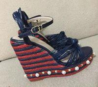 Las mujeres de los altos talones de las mujeres de la manera abren los zapatos de la celebridad del dedo del pie La plataforma de las mujeres calzan el talón de cuña sandalias blancas del gladiador de la perla calzan el zapato del partido de la correa