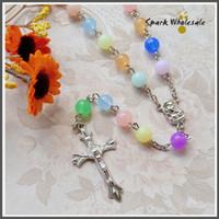 achat en gros de collier en plastique acrylique-Livraison gratuite Cadeaux religieux enfants colorés 8mm collier de rosaire acrylique baptême favorise catholique kid's Rainbow Plastic Rosary