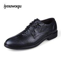 achat en gros de coudre modèle de robe-Chaussures habillées à la main hommes chaussures de luxe de la marque 2017 Printemps Nouvelles chaussures italiennes pour hommes Crocodile modèle de la chaussure en cuir véritable chaussures