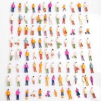 Escala de la gente de la mini de la gente modelo 100pcs al por mayor-Caliente 1: 100 de la gente modelada modelo pintado de las personas modelo pintado modelo de la calle del parque del pasajero de la calle