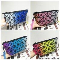 Wholesale Womens Ling Purses Plaid Handbags Geometric Clutch Bags Triangle Single Shoulder Bags Folded rainbow Purse Pvc Envelop Handbag Totes D367
