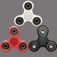 Wholesale Easy To Carry Small Simple Discrete and Fu high quality funny healthy easy carrying Tri Spinner Fidget Toy Plastic EDC Hand Spinner