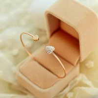 adorn woman - Fashionable woman bracelet Diamond encrusted bracelet Alloy peach heart bracelet adorn article