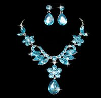 Wholesale 2017 fine droplets crystal diamond necklace earrings suit Noble bride wedding garment accessories