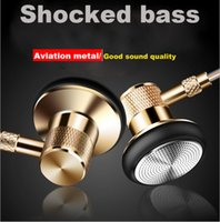 Wholesale 2017 New Bass Earbuds Stereo HeadPhone In Ear Earphone Metal Handsfree Headset with Mic mm