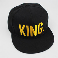 beaches couples resorts - KING QUEEN Gold Letters Snapback Baseball Caps Couple Matching Fine Finished Embroideried Hat
