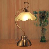 al por mayor escritorio blanco de la vendimia-Lámparas de mesa de estilo retro estilo europeo Vintage Lámpara de mesa elegante para dormitorio / Banco / restaurante
