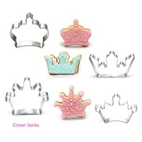 Wholesale Stainless Steel Crown Mold D Buscuit Cutter Cookie Cake Chocolate Mold DIY Pastry Baking Mould Microwave Oven Bakeware Tool