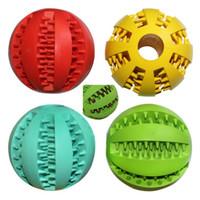 al por mayor juguetes de peluche perrito-El juguete de goma suave de la bola del chew para los perros juega las bolas de la limpieza del diente del algodón del perrito libera el envío