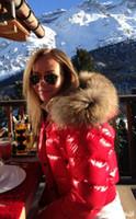 al por mayor chaqueta de piel natural-M18 capa caliente del invierno de la chaqueta de las mujeres de la venta que espesa la ropa femenina capa real del collar de la piel del mapache abajo chaqueta