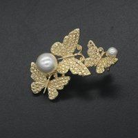 Wholesale 2016 new arrival brooches for women christmas Green zinc alloy fashion gold butterfly imitation pearl diamond