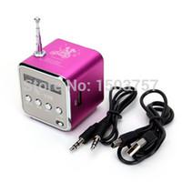 Vente en gros TD-V26 Mini lecteur MP3 TF carte USB disque Micro SD Card FM Radio Line In / Out Sound Box numérique haut-parleur portable