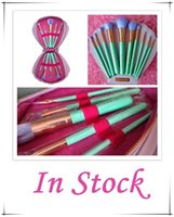 Wholesale 2016 In Stock NEW Spectrum Brushes Mermaid Dreams Piece Vegan Brush Set Glam Clam Case Pink Color VS Hello kitty Brush