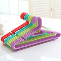 adult plastic hangers - popular laundry hanger plastic coat hanger plastic clothes hanger for jeans Adult colorful plastic clothes hanger